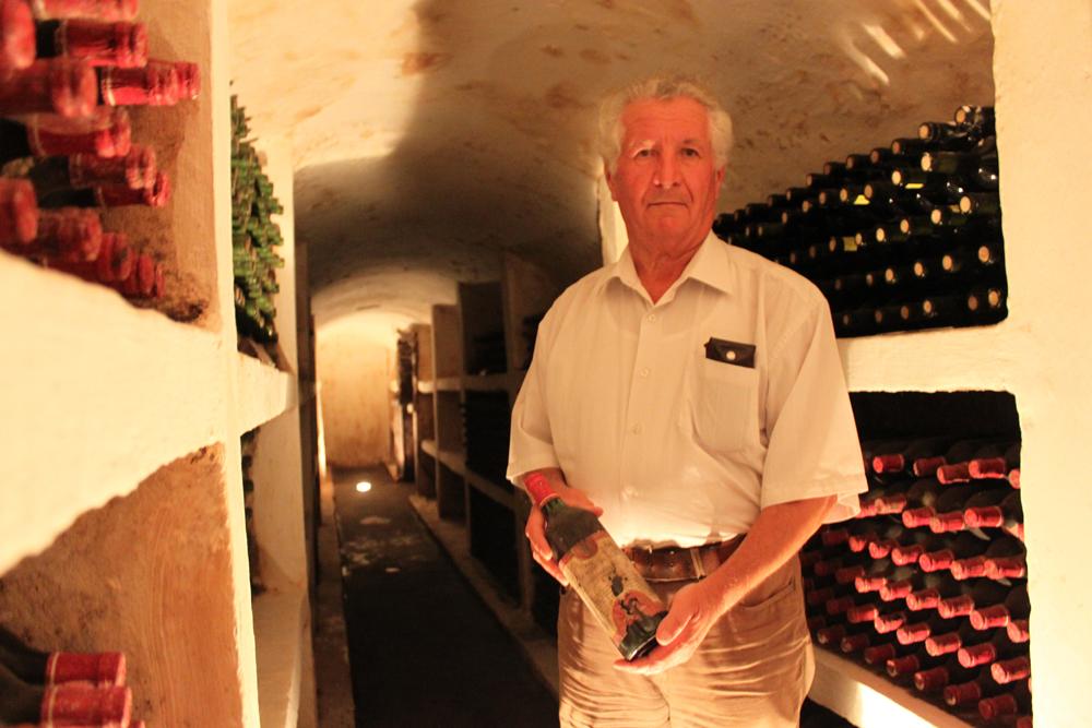Vinmester Azuel Groso på Pucari vinslott.