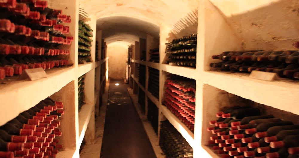 Vinproduksjonen i Purcari dateres tilbake til 1827.