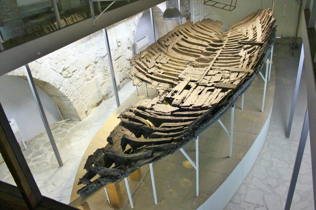 FØr JESUS: Verdens eldste skipsvrak ligger delvis inntakt i Kyrenia festning.