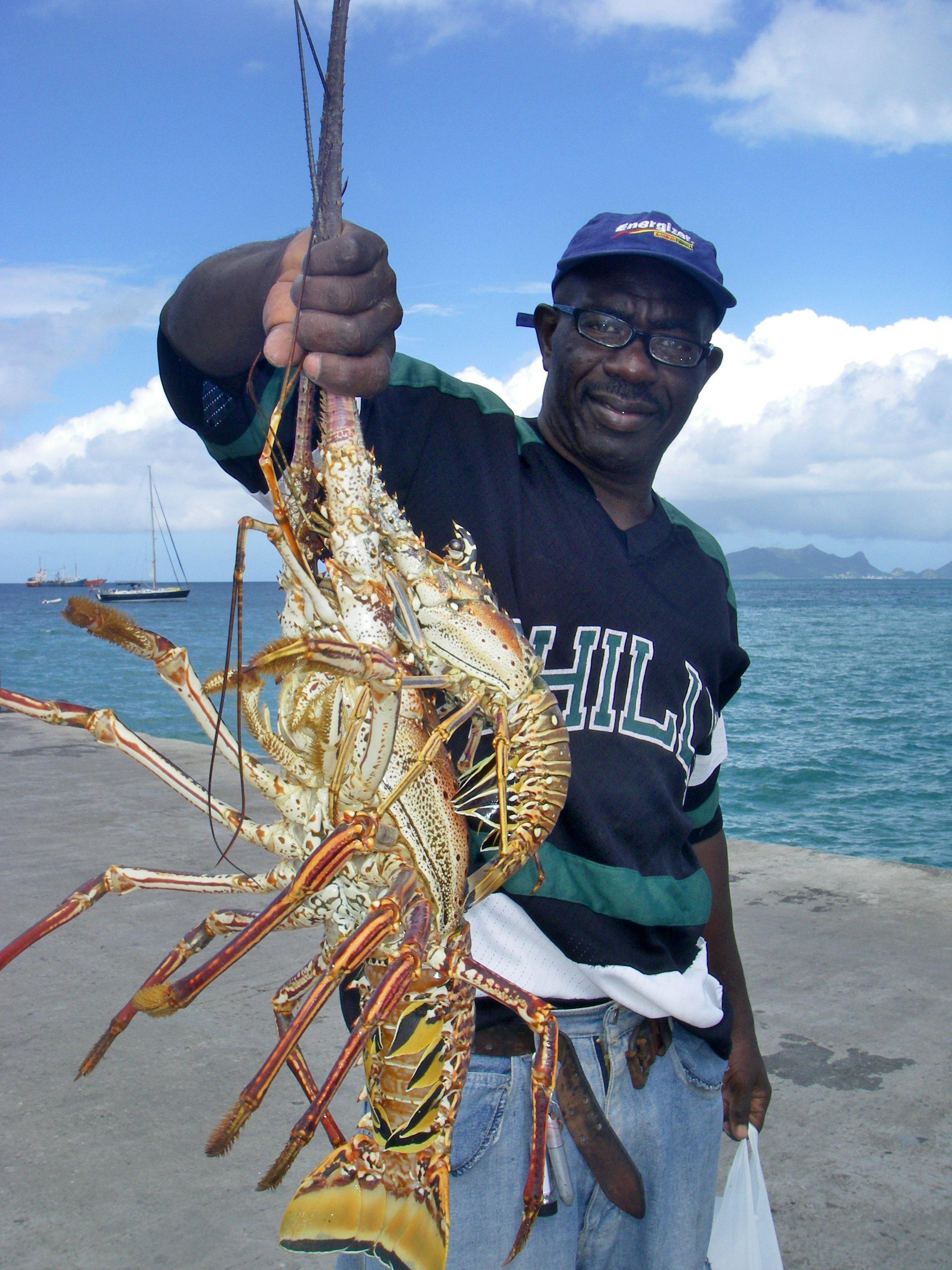 DAGENS: Fornøyd hummerfisker på Carriacou, Grenada.
