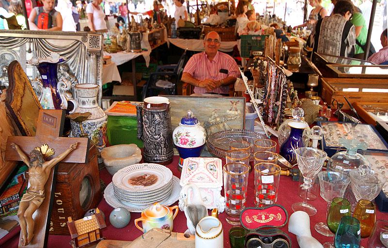 LOPPEMARKED: Det gotiske markedet i Barcelona.