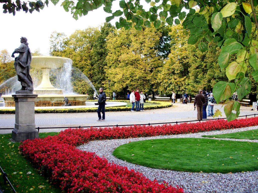 Saski parken var den første store parken som ble åpnet for allmennheten i byen.