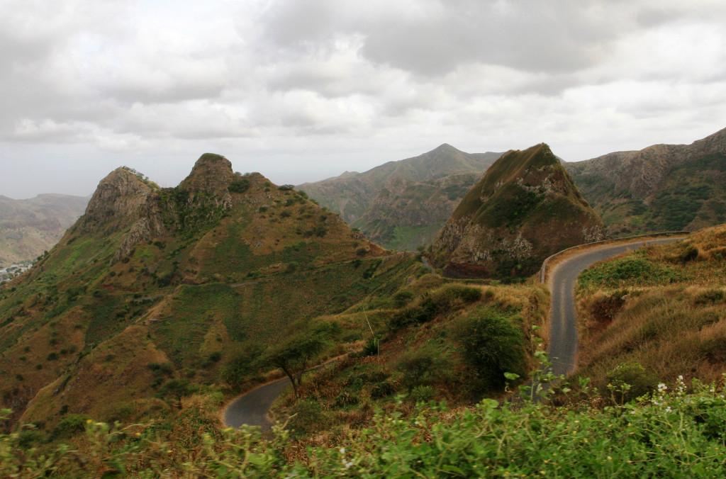 Kapp Verdes svar på Trollsstigen fant vi i fjellene på Santiago.