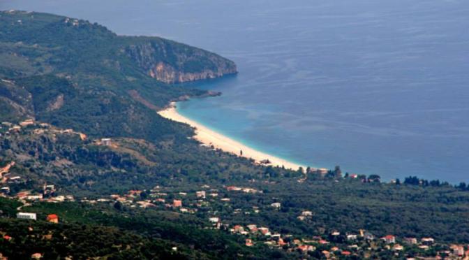 Albania kaster sløret