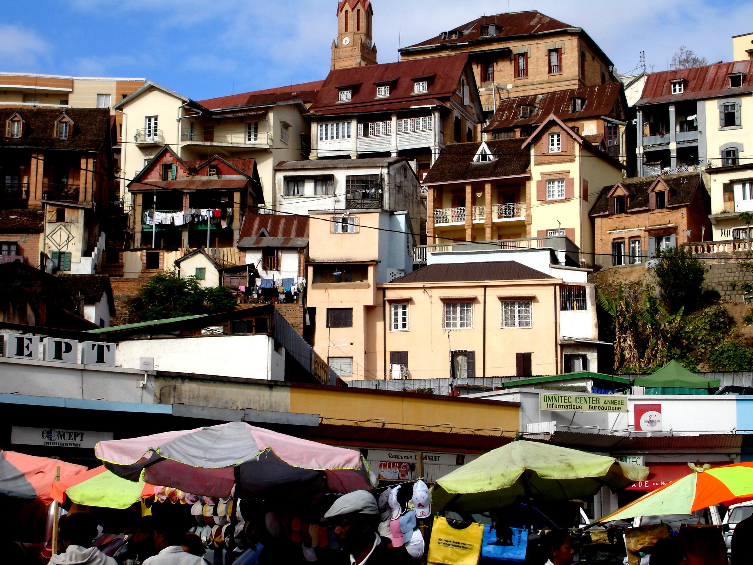 Antananarivo - byen av tusen landsbyer, er første møte med Madagaskar.