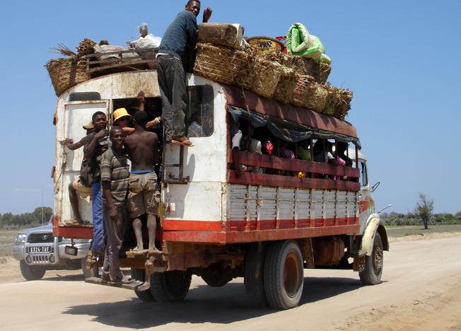 Lokaltransport med taxibruosse.