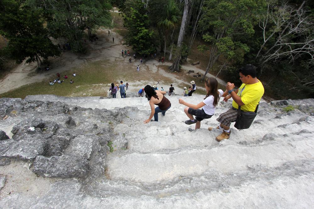 ..hardest thing is coming down.. De bygde bratte templer, de gamle mayaene!