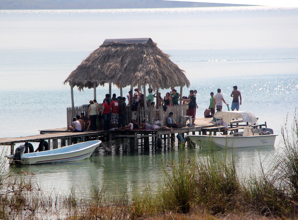 Innsjøidyll ved Petén, Guatemala.