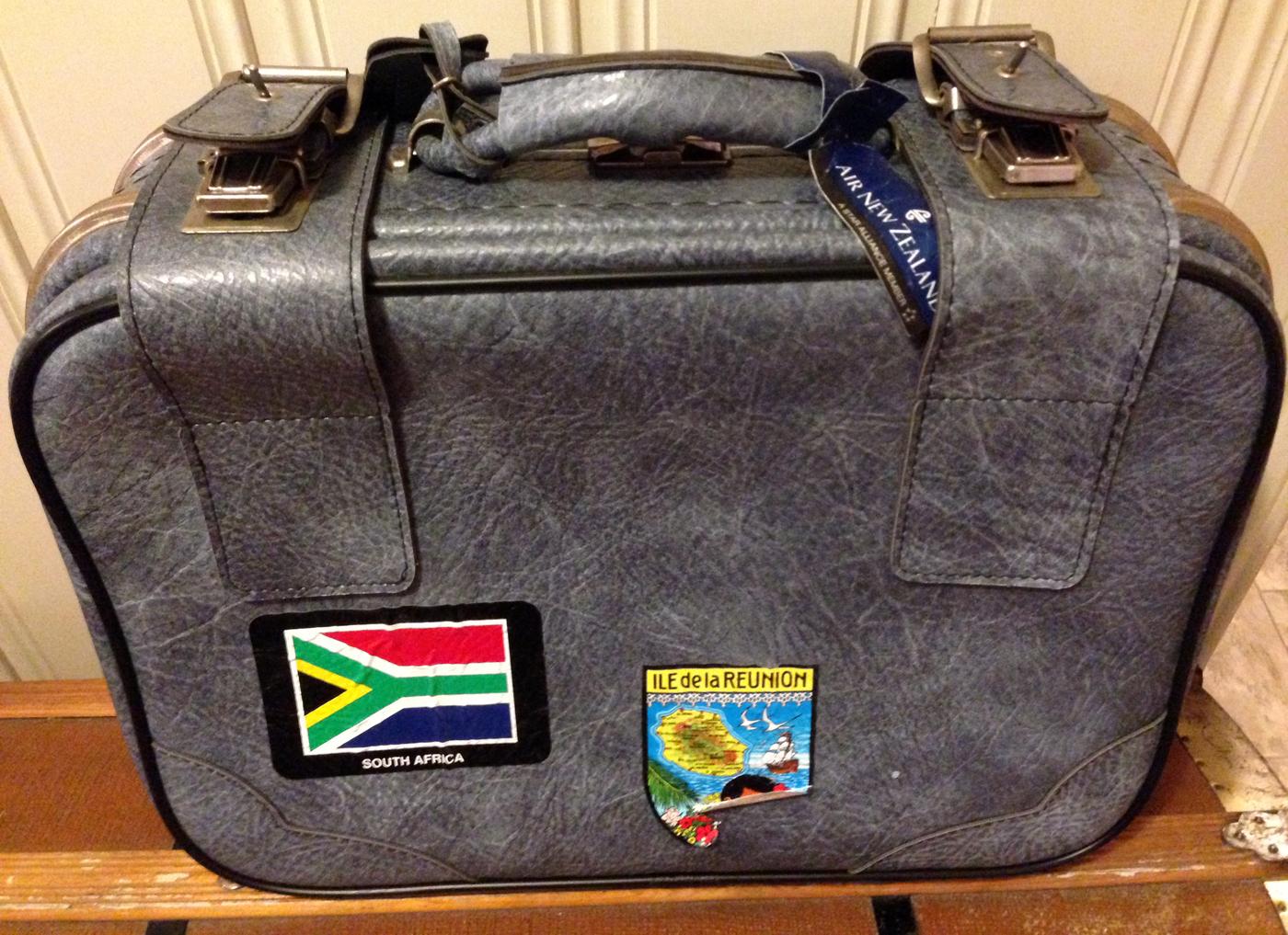 En liten koffert kan redde de første dagene.