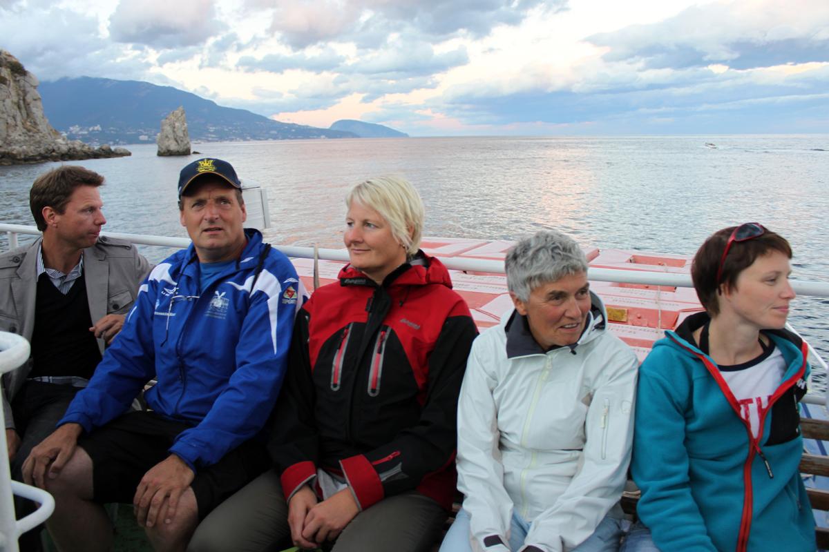 Norske svømmere på båttur.