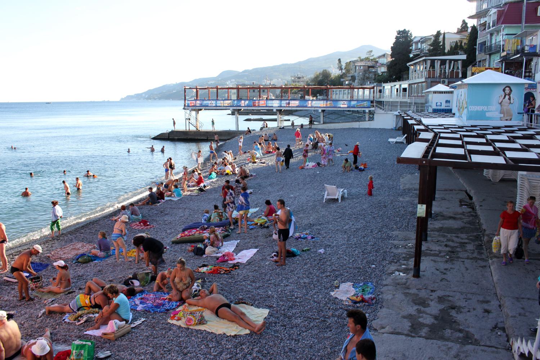 Strandliv i Jalta.