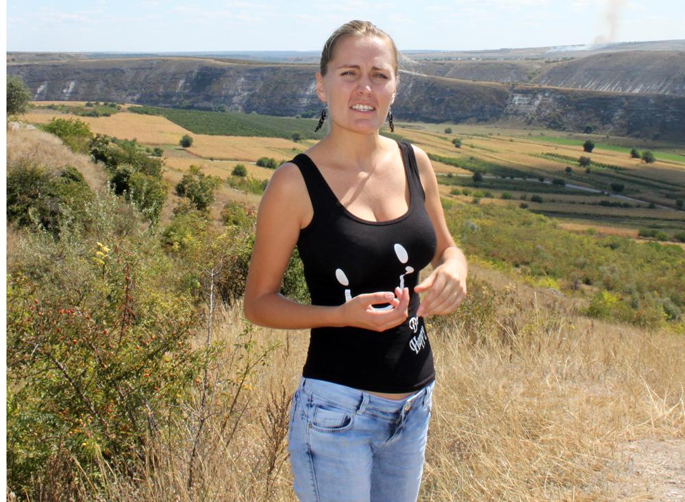 Jana viste oss rundt og fortalte om Chisnau og Moldova.
