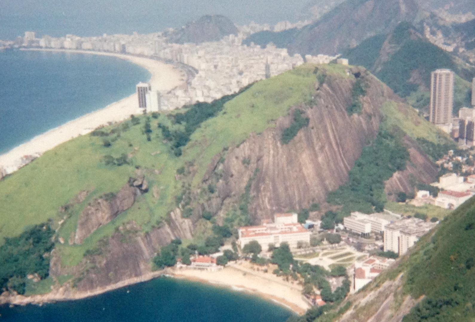 Utsikt over Copacabana fra Sukkertoppen. Foto: Linn krogh Hansen.