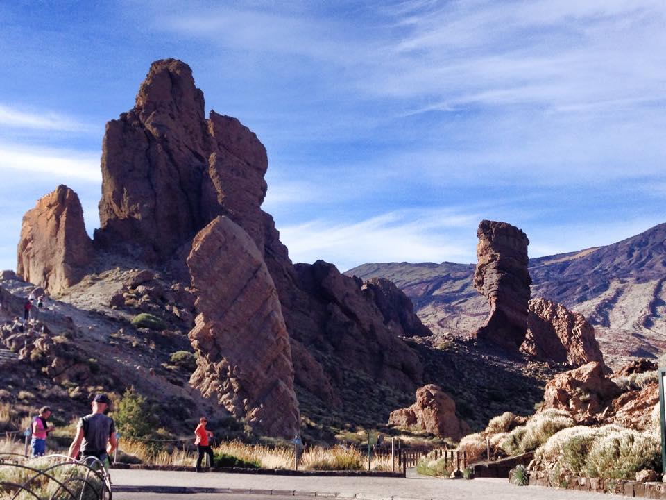 Obligatorisk fotostopp ved foten av vulkanen i den vakre nasjonalparken på tur hjem.