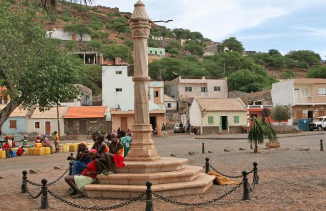 Det gamle torget i Vehla, hvor slavehandelen foregikk livlig i sin tid.