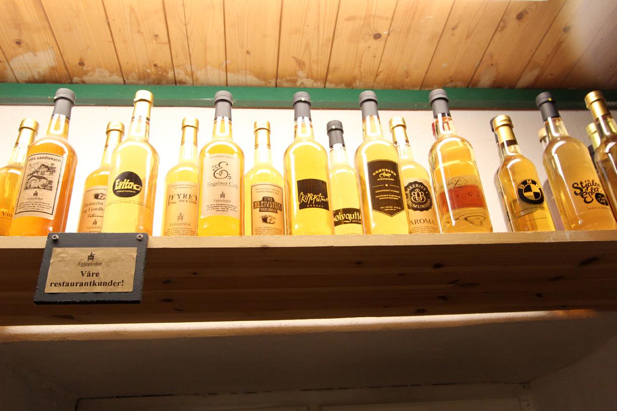 EGEN LOGO: Bestill dine egne logoer på flaskene.