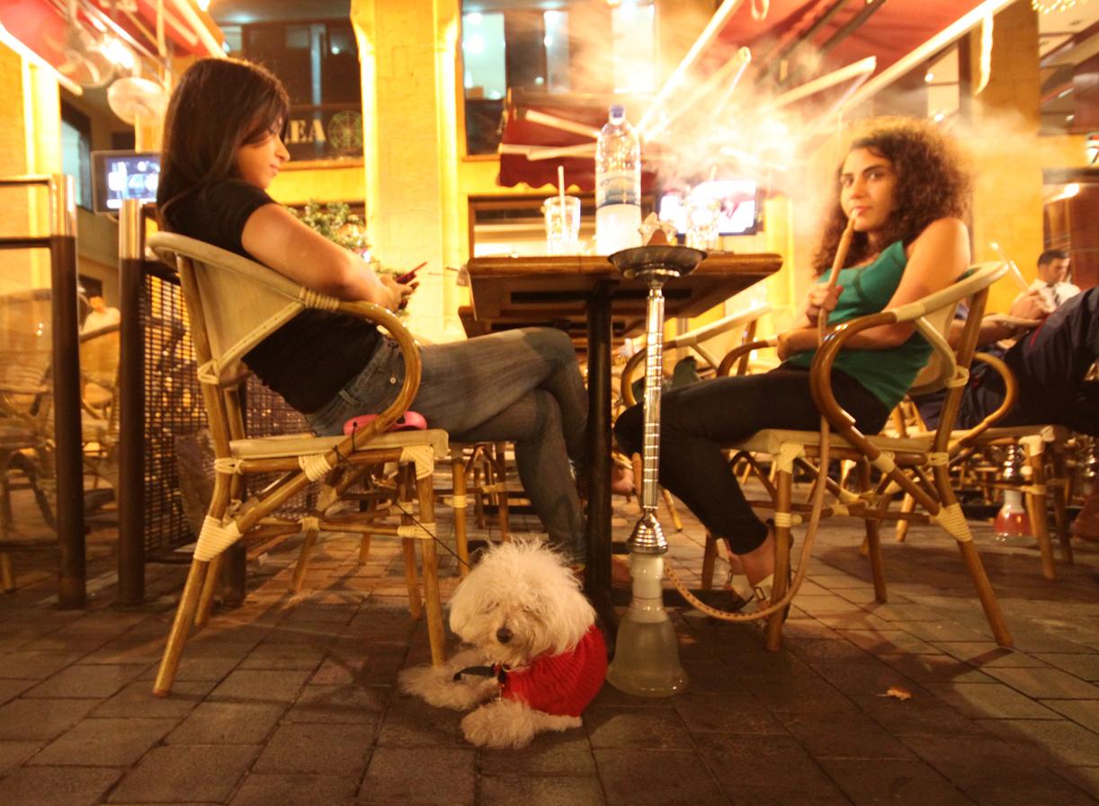 Kafejenter i Rue Marad.