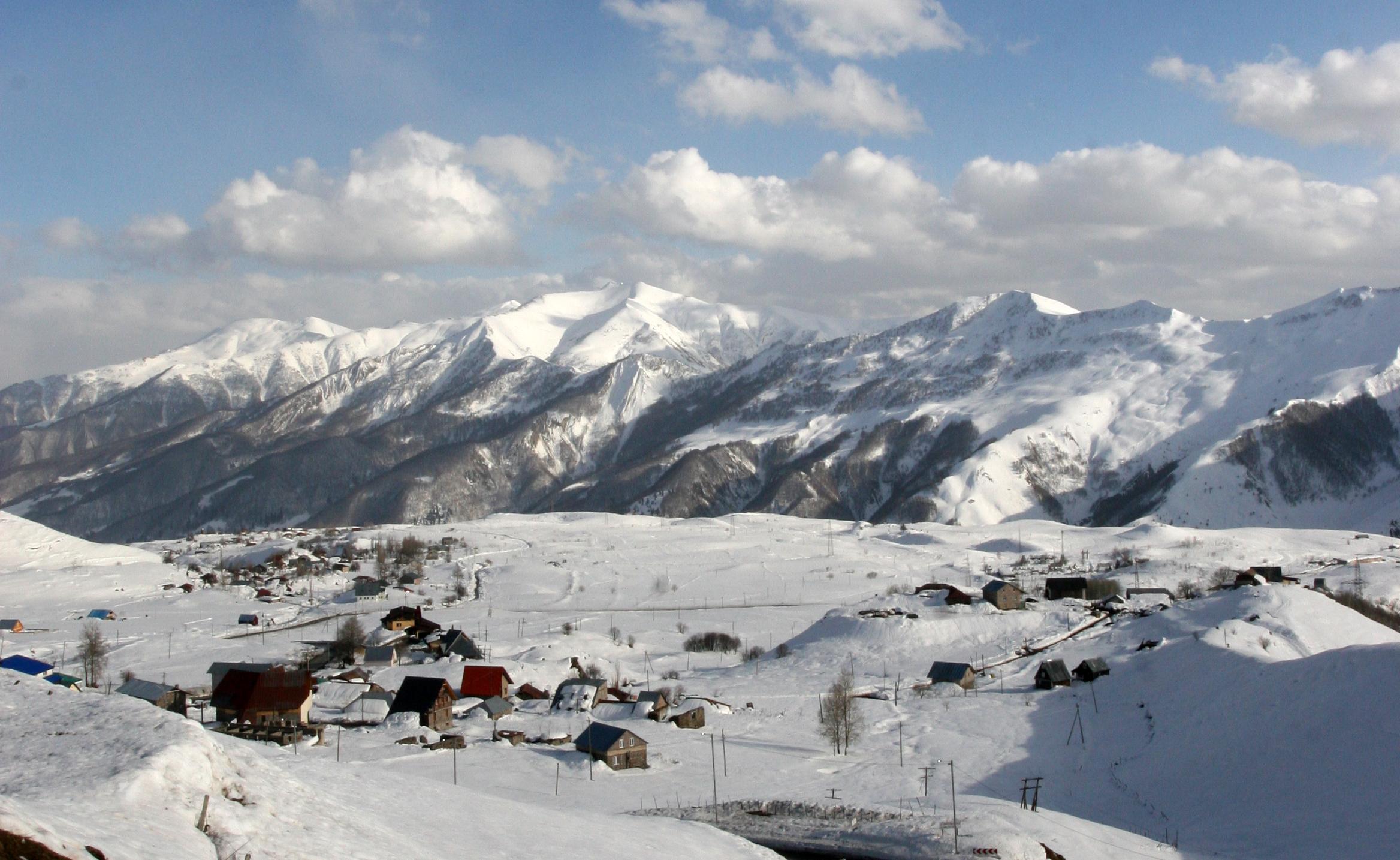 SKIFERIE: Gaudari ligger 2000 m.o h. og er en liten fjelllandsby med inntil 5000 meter høye topper rundt.