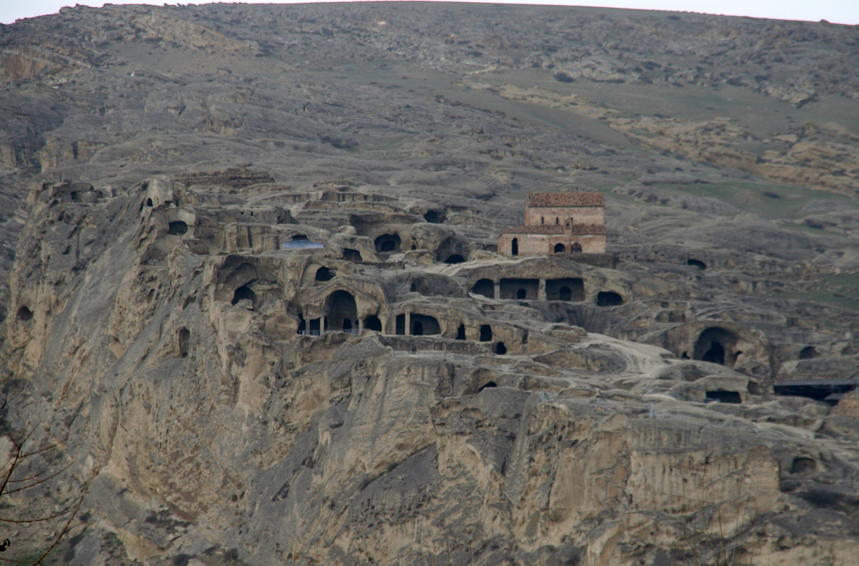 Grottebyen Mtskheta hvor Silkeveien passerte rett ovenfor.