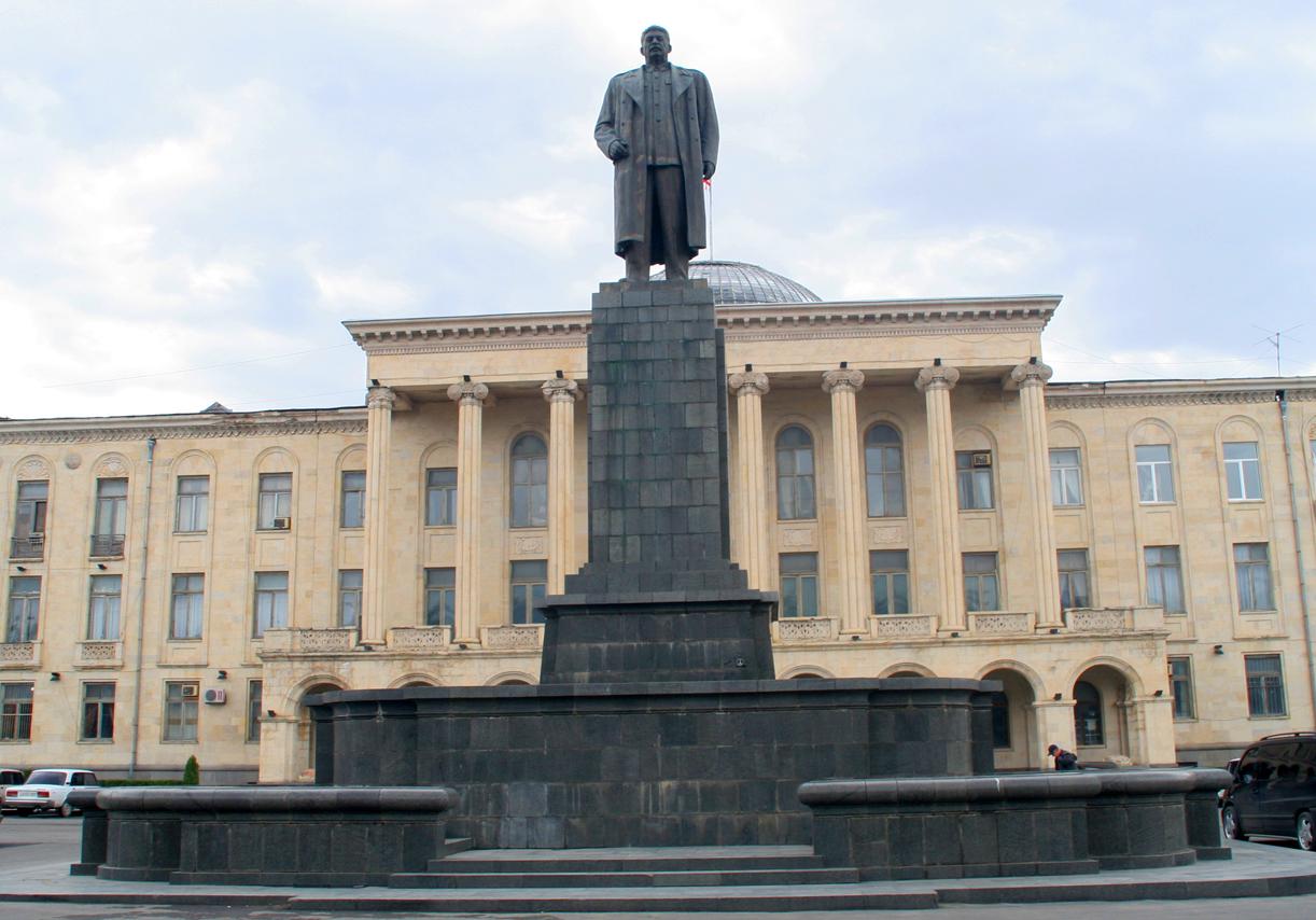 Statauen av Stalin i Gori - diktatorens fødeby.