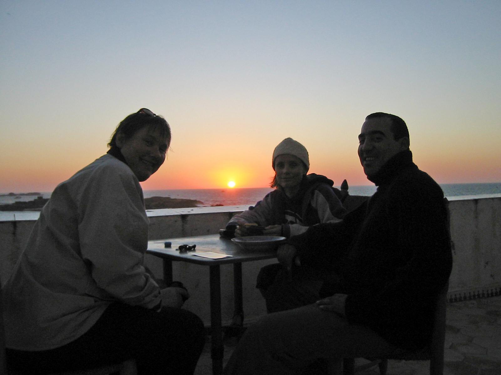 Solnedgang over Atlanteren fra takterassen «vår».