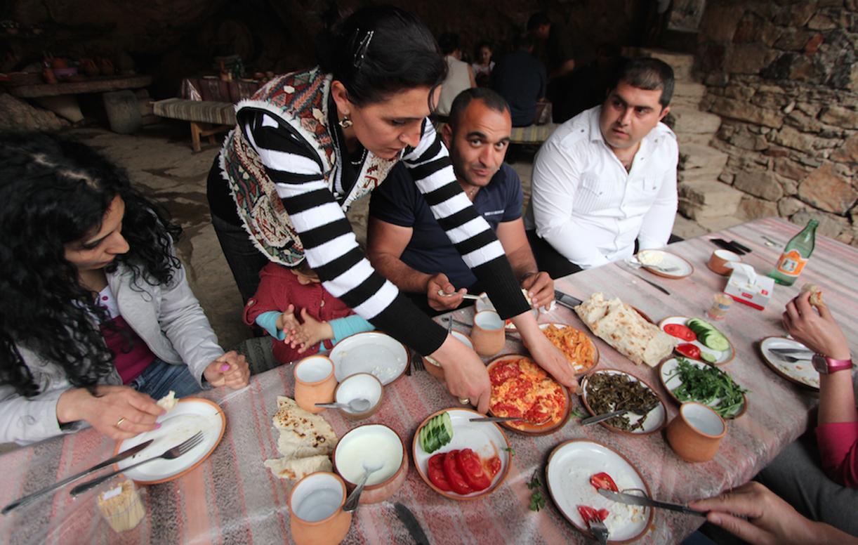 Lunsj i Armenia betyr mange retter.