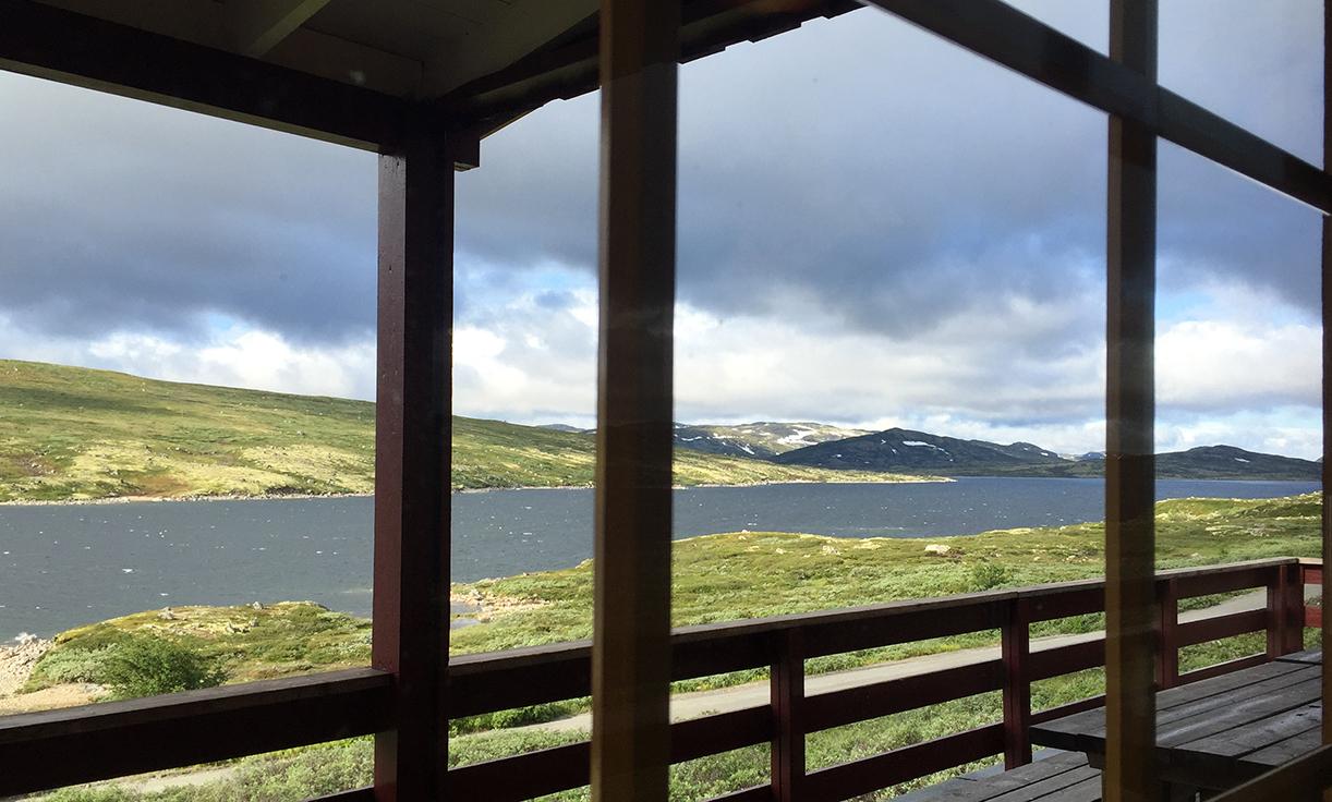 Ingenting å si på utsikten fra Kalhovd-hytta.