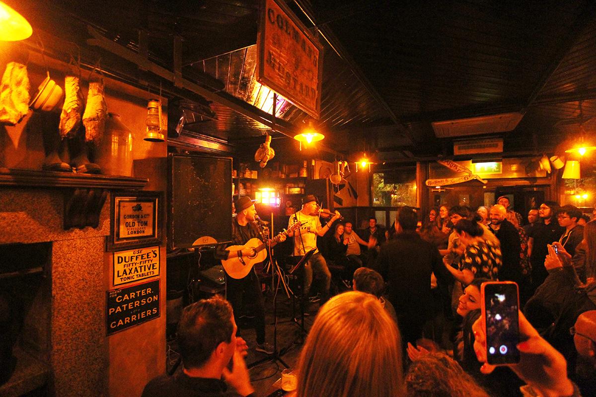Publivet i Belfast må oppleves- live musikk spilles hver kveld et eller annet sted i nærheten.
