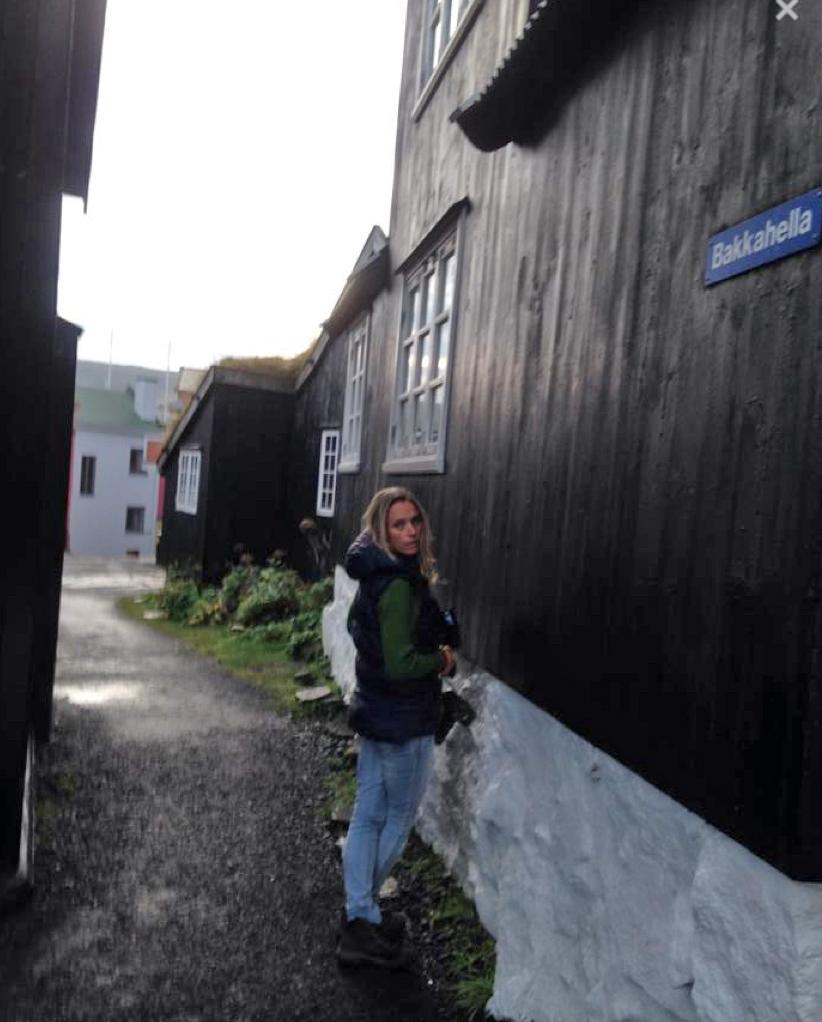 Smuget mellom hotellet Hafna og Tingenes. Foto: Tone-Lill Angelskår.