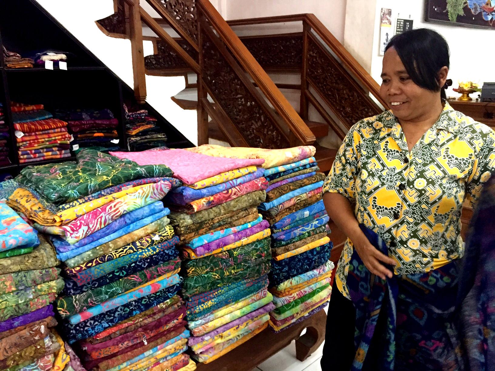 Batikk finnes i flere kvaliteter, og det er ikke lett å se forskjellen med det blotte øyet.