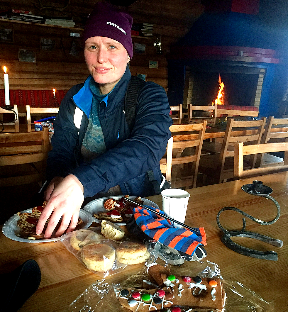 Hyttekos på Stikkvann med Linn Aker og en fin kombinasjon av varme vafler og medbrakt