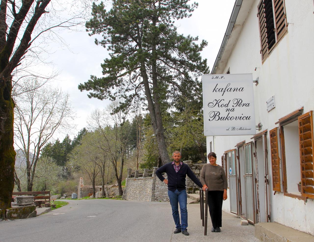 Djuro og Bozidarka er femte generasjon som holder landets eldste versthus åpent.