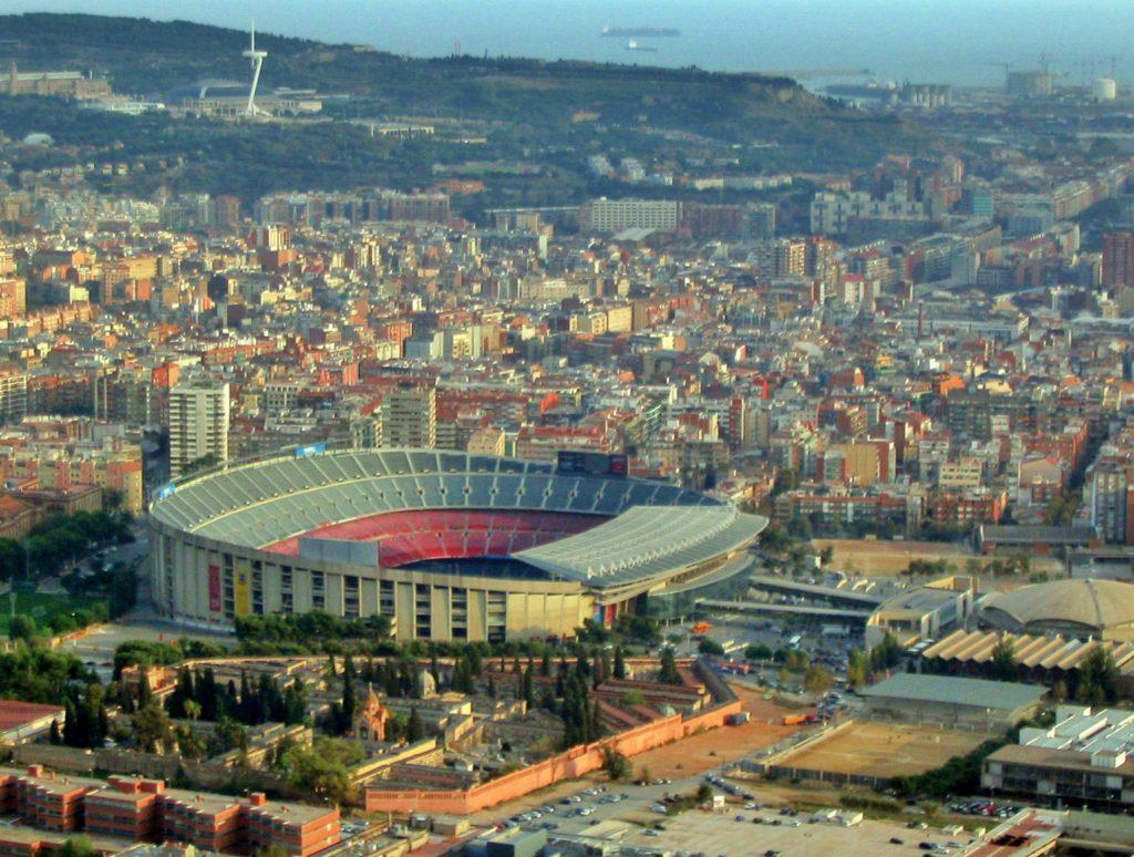 SENTRUM: Camp Nou ruver godt i storbyterrenget. Foto: Wikipedia.