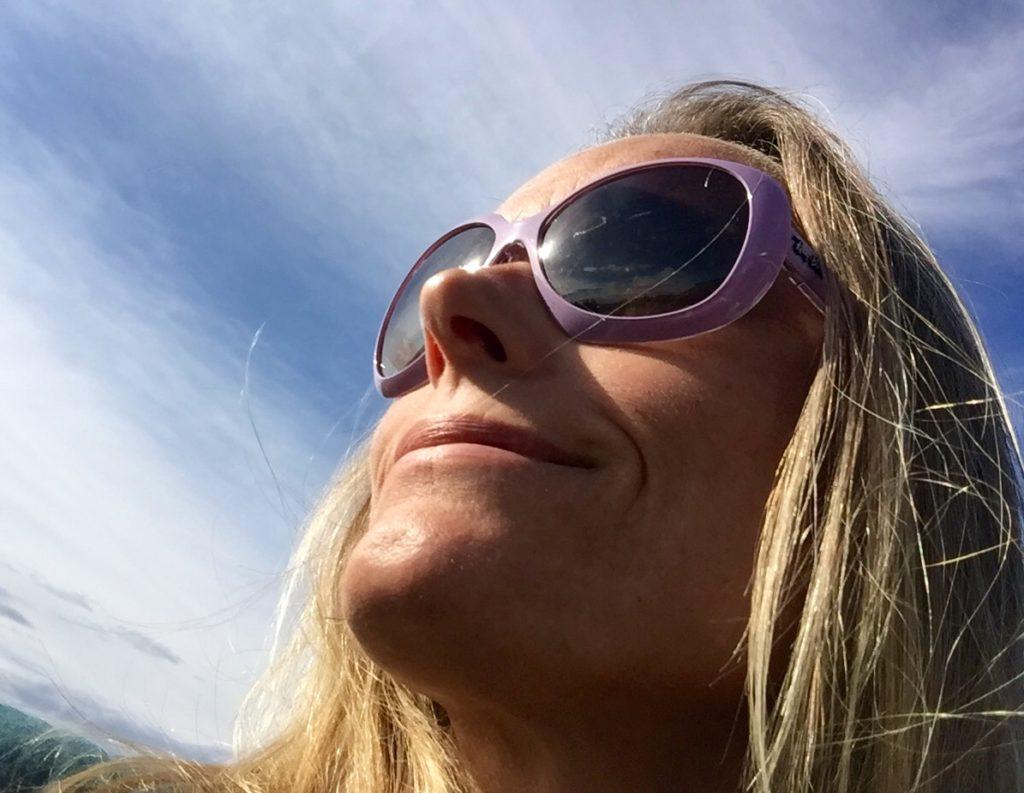 KLAR FOR ITALIA: When in Rome... Eller Torino. Solbriller hører med ti bagasjen. Selv foretrekker jeg store briller med friske farger.