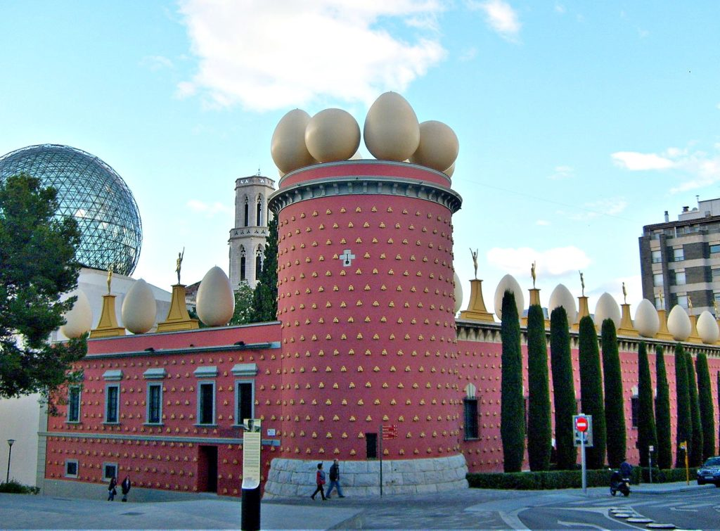By Taco Witte (Flickr: Dalí Museum in Figueres) [CC BY 2.0 (http://creativecommon KJEDELIG MUSEUM? Ikke Dali-museet i Figureres. :s.org/licenses/by/2.0)], via Wikimedia Commons