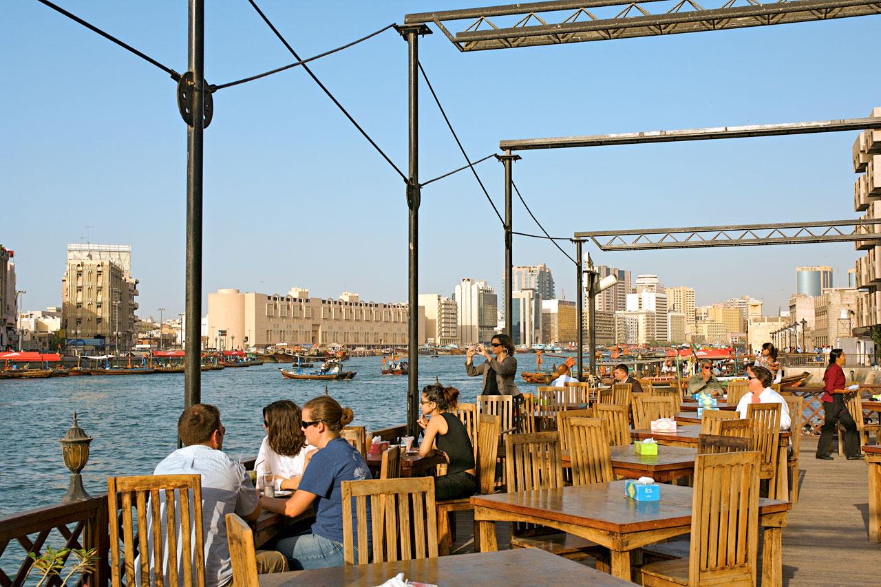 CAFE MED UTSIKT: Dubai Creek, Bur Dubai. Foto: VING.