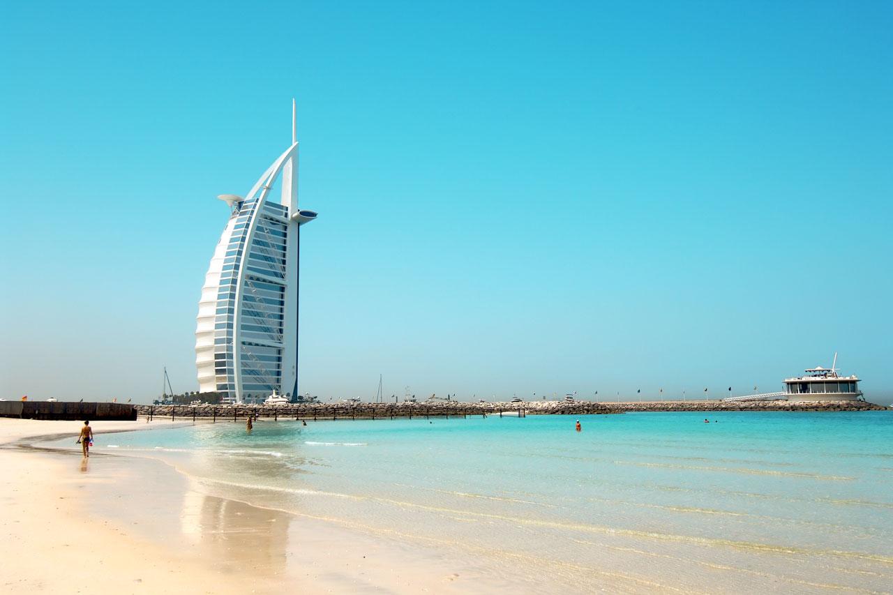 MIDTØSTEN-SUKSESS: Jumeirah Beach i Dubai er populært blant nordmenn. Foto: VING.