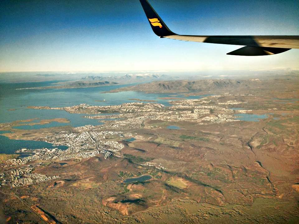 REYKJAVIK: Over 60 prosent av den islandske befokningen bor i Reykjavik-regionen, til venstre under flyvingen.