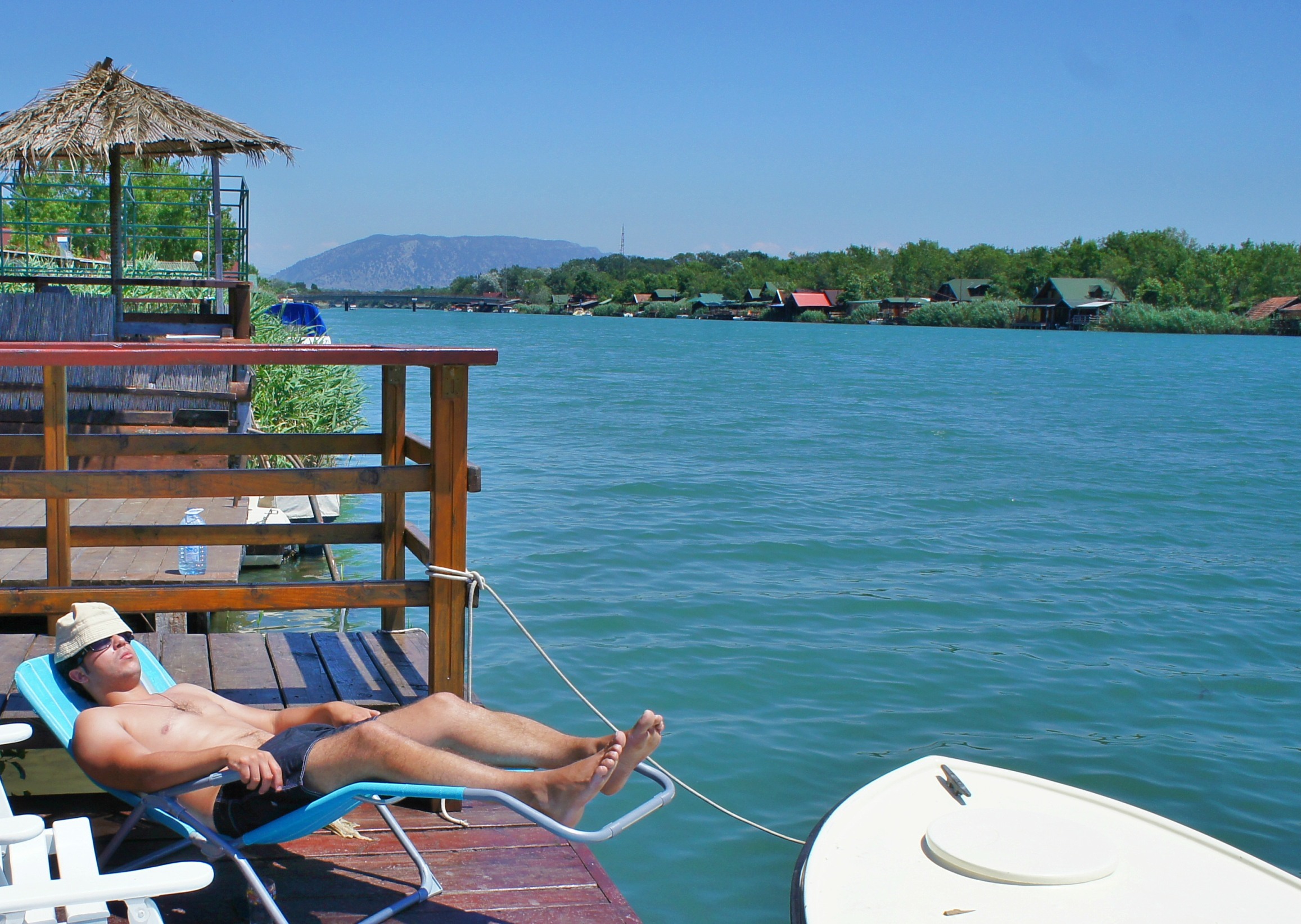ELV: Helt syd renner elven Bojana ut i Adriaterhavet. Foto: Jeljena Kojicic.
