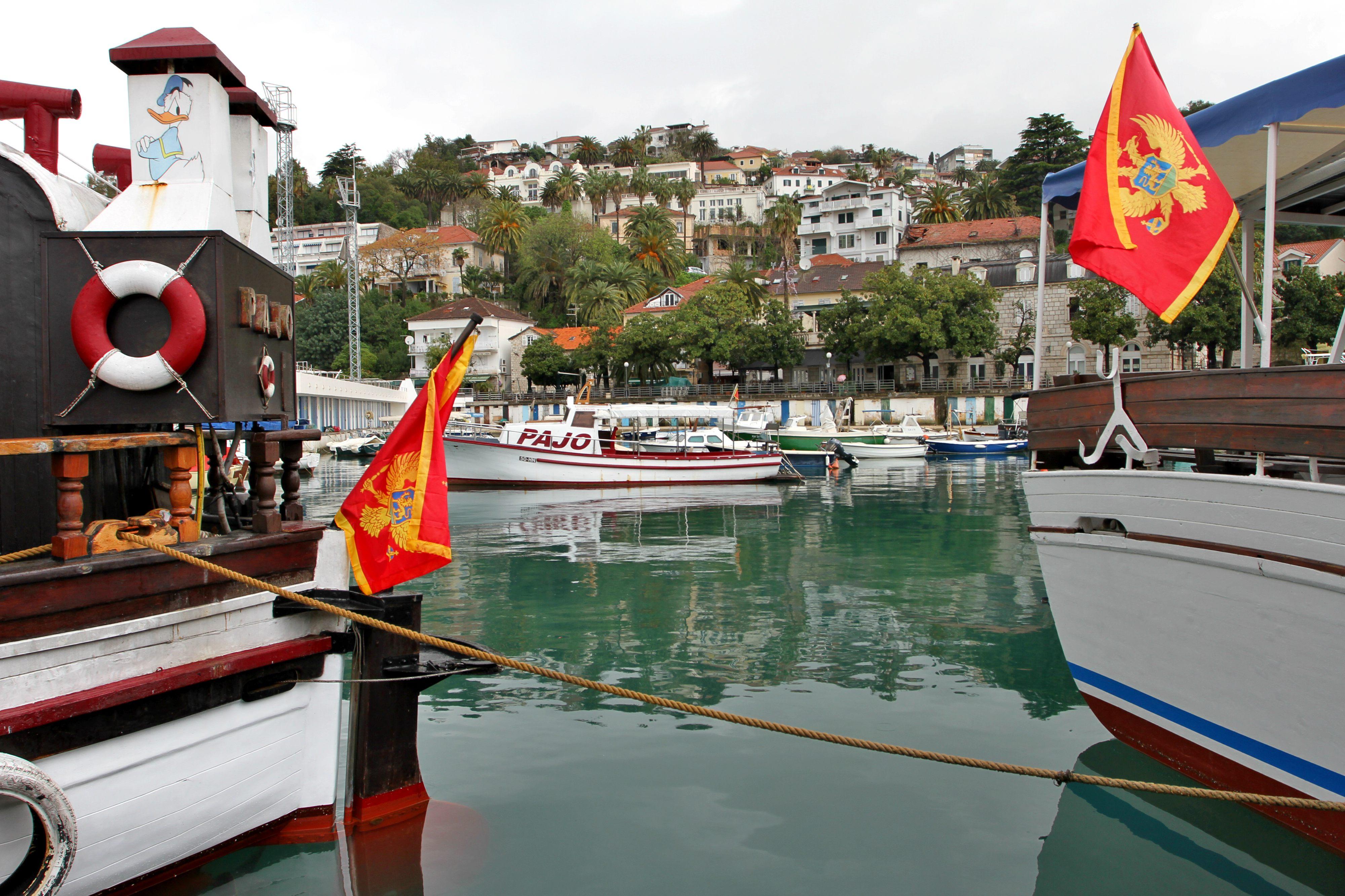 STRATEGISK HAVN: Herceg Novi ligger i innseilingen til Kotorbukten og er også den første byen i landet når man kommer nordfra.