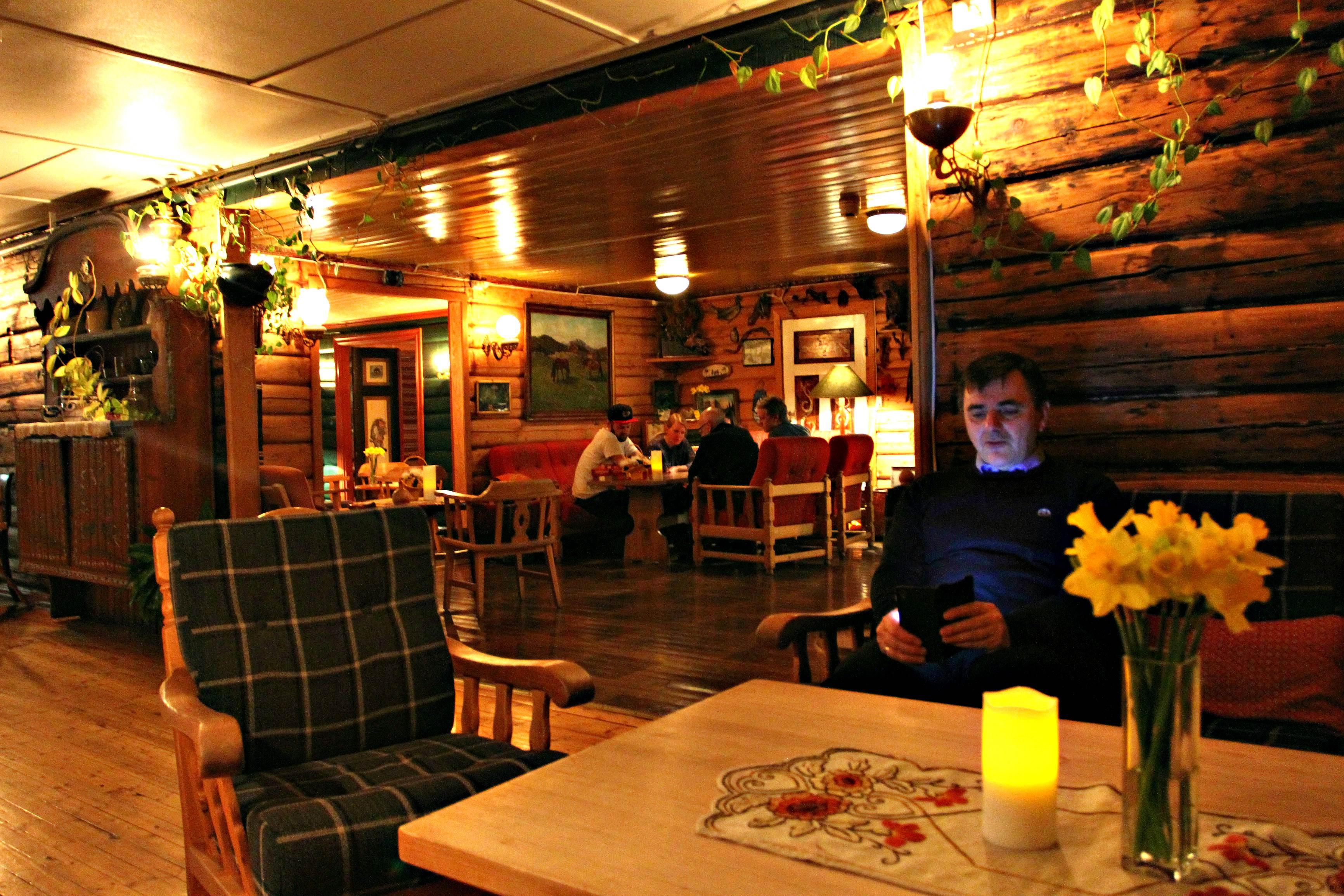 golsfjellet-kamben-hotel-sitting-room