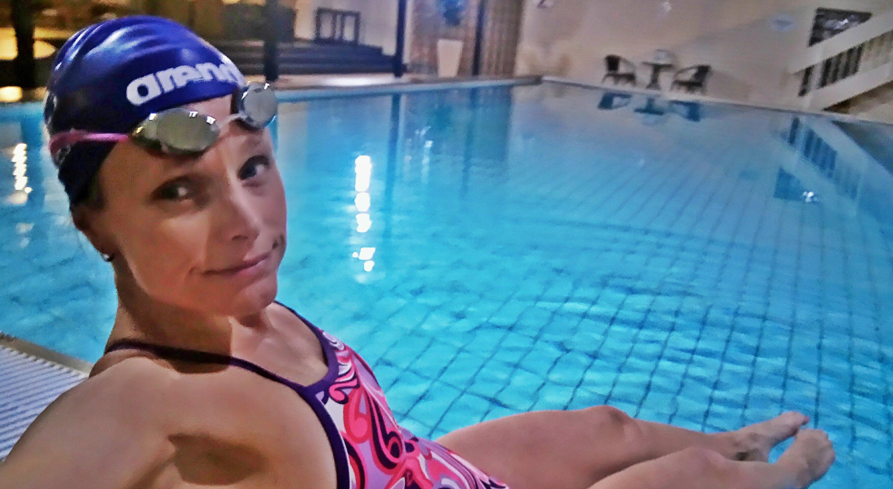 BADEKLAR: Jeg liker bassenget veldig godt. Passe langt og passe varmt!