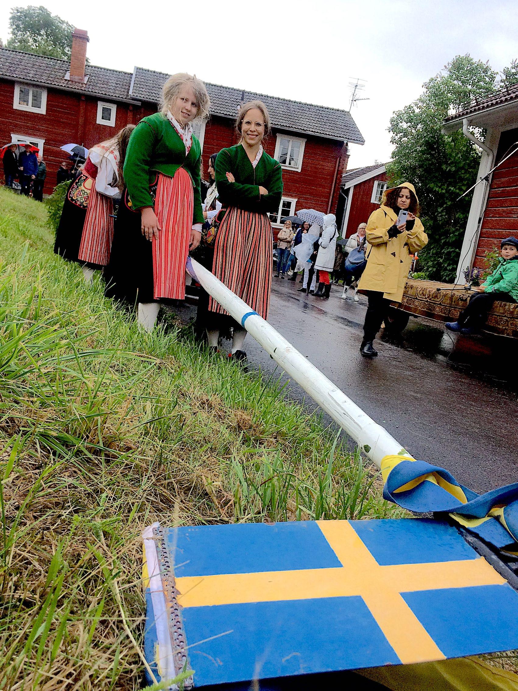 Midsommar i Dalarna:  Blomster, dans og felemusikk i tre dager til ende